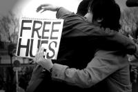 For all those who feel alone, and just can't cope with it ..    I'm giving free virtual hugss !!    Stay Strong Lovelies xx